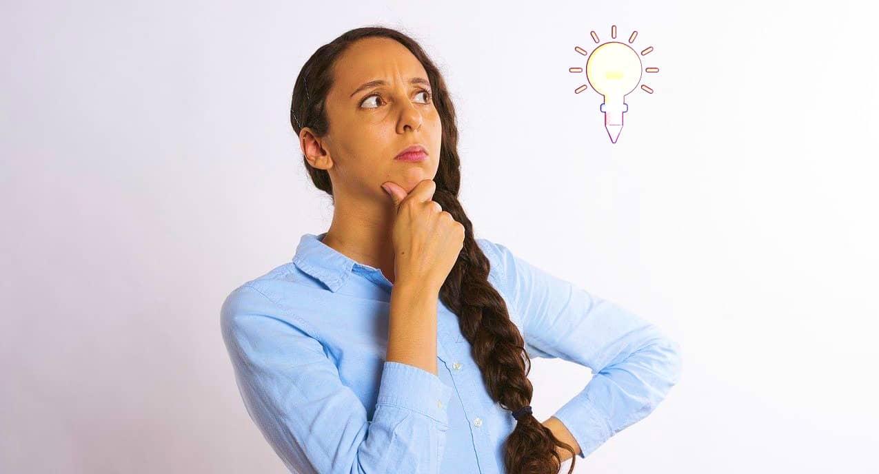 maestra pensando